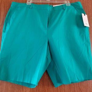 Dana Buchman Shorts - Dana Buchman women's Bermuda shorts size 18